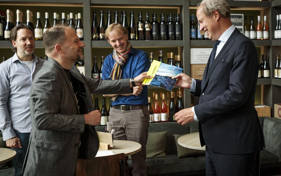 Persbericht m.b.t. overhandiging publicatie: 'Het schuurt in de Haagse Binckhorst' aan wethouder Mulder
