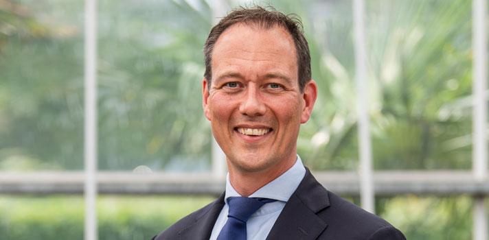 Wethouder Revis trapt bouwproject 'Binck Plaats' af