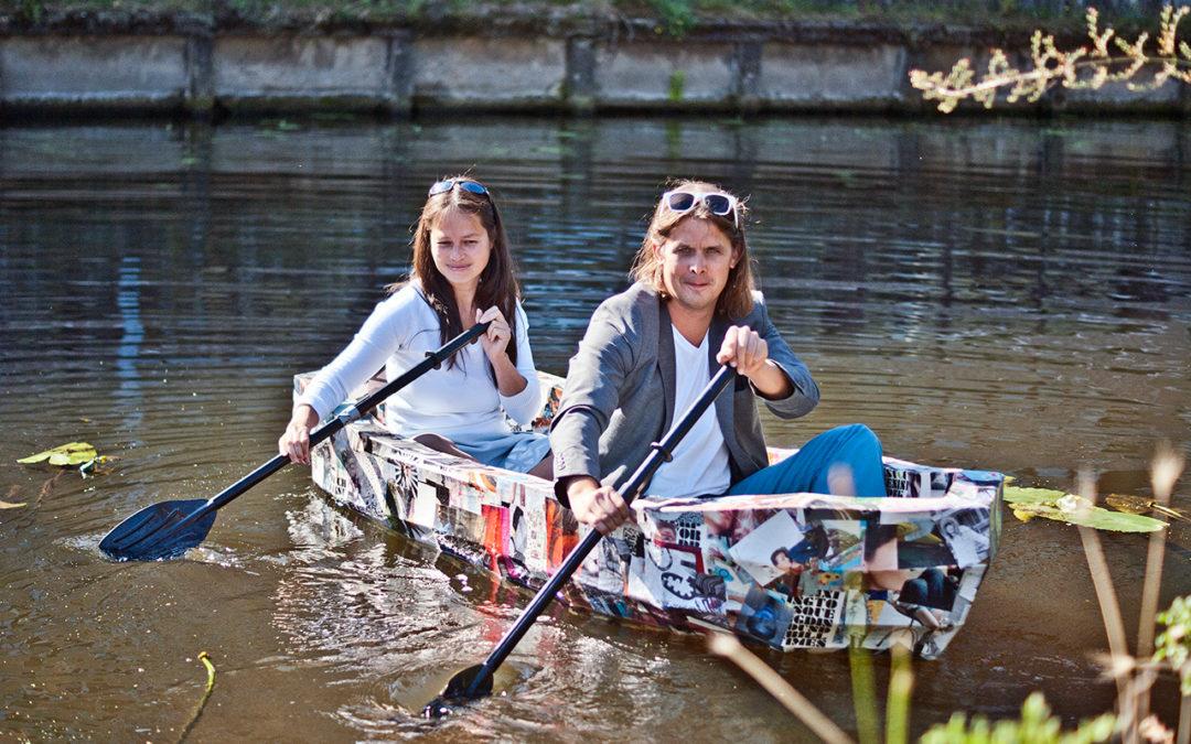Een papieren boot als symbool voor mogelijkheden